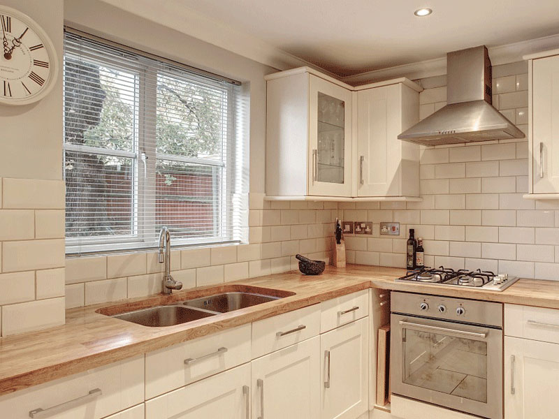Kitchens kitchens bathrooms interior design norwich for Bathroom design norwich